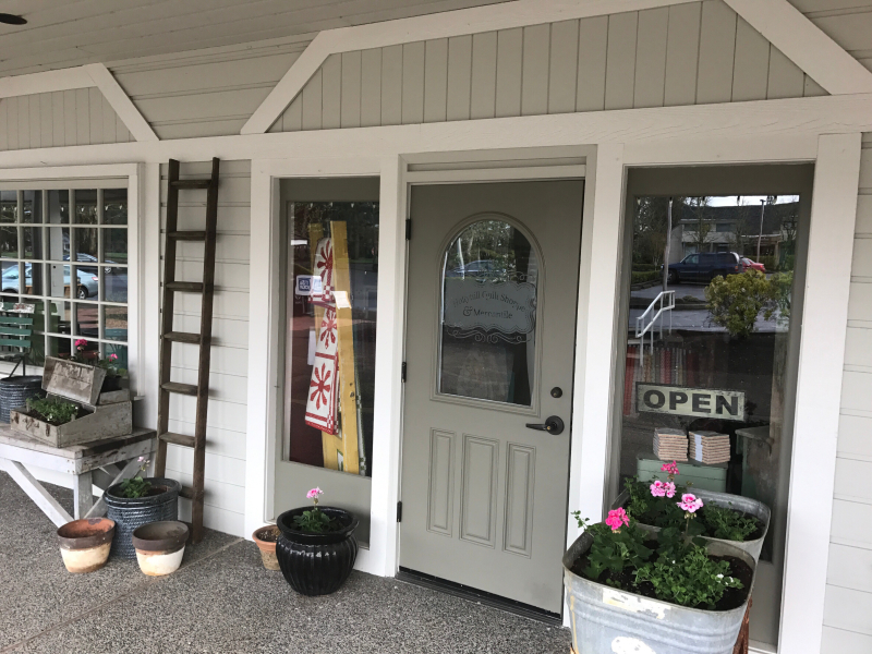 Hollyhill-Quilt-Shoppe-Entrance
